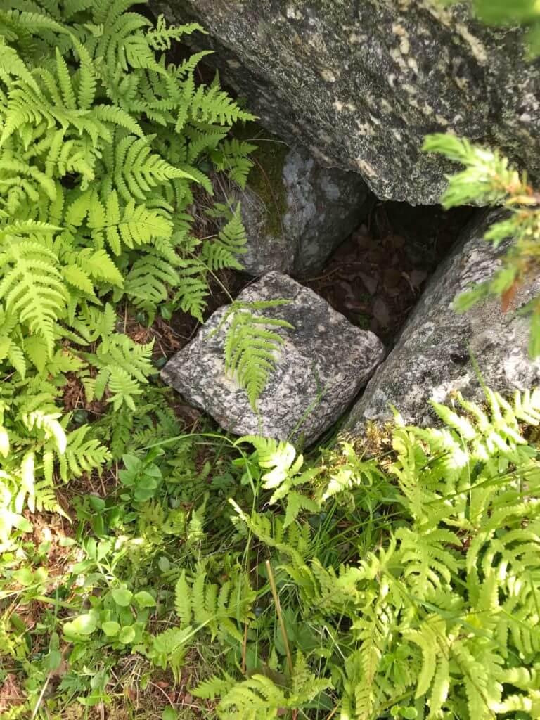 Geocache im Boden