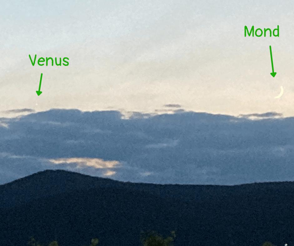 Planeten Kinder erklären: Venus und Mond am Westhimmel